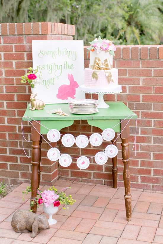 southern-wedding-bunny-cake-table
